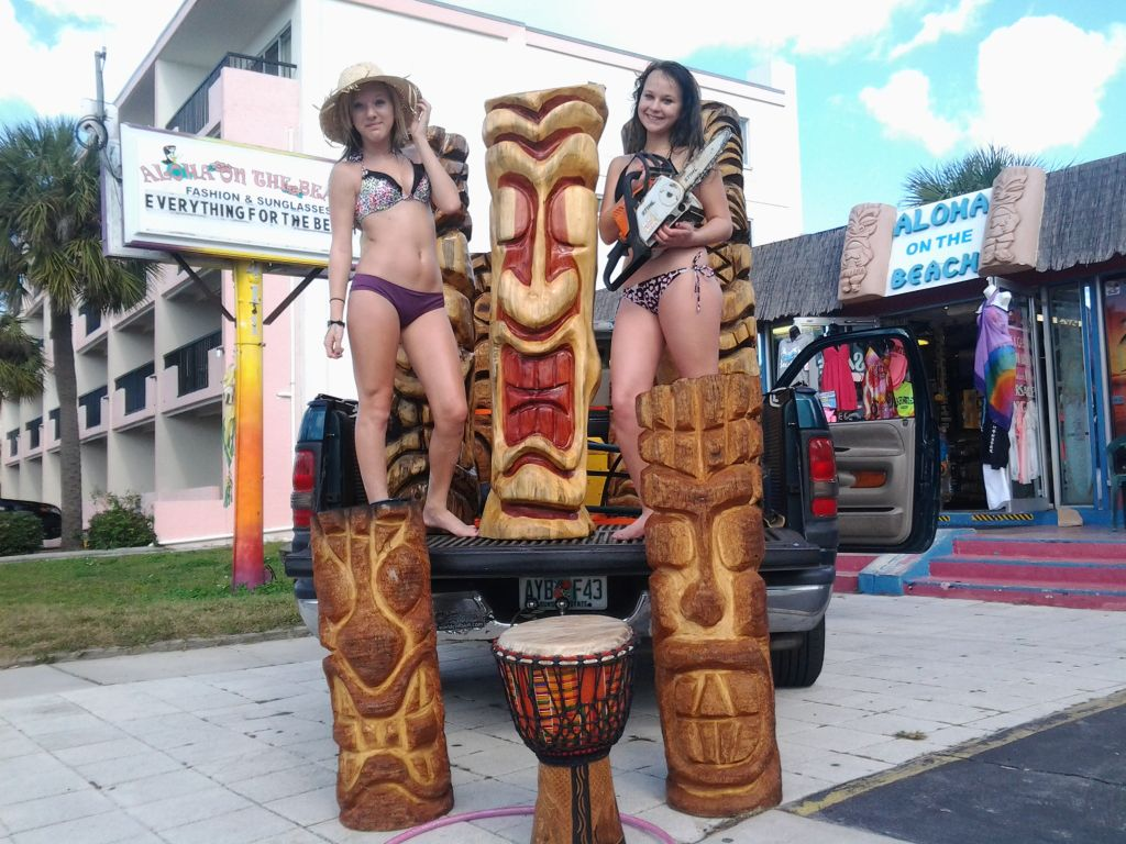 beach party tikis
